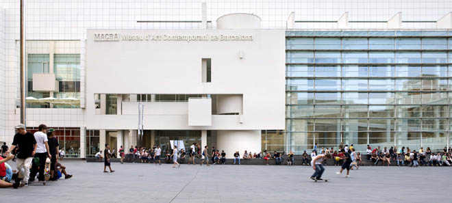 Museu_d_Art_Contemporani_de_Barcelona__MACBA_._Foto__Rafael_Vargas  Les milles couleurs du raval Museu d Art Contemporani de Barcelona  MACBA