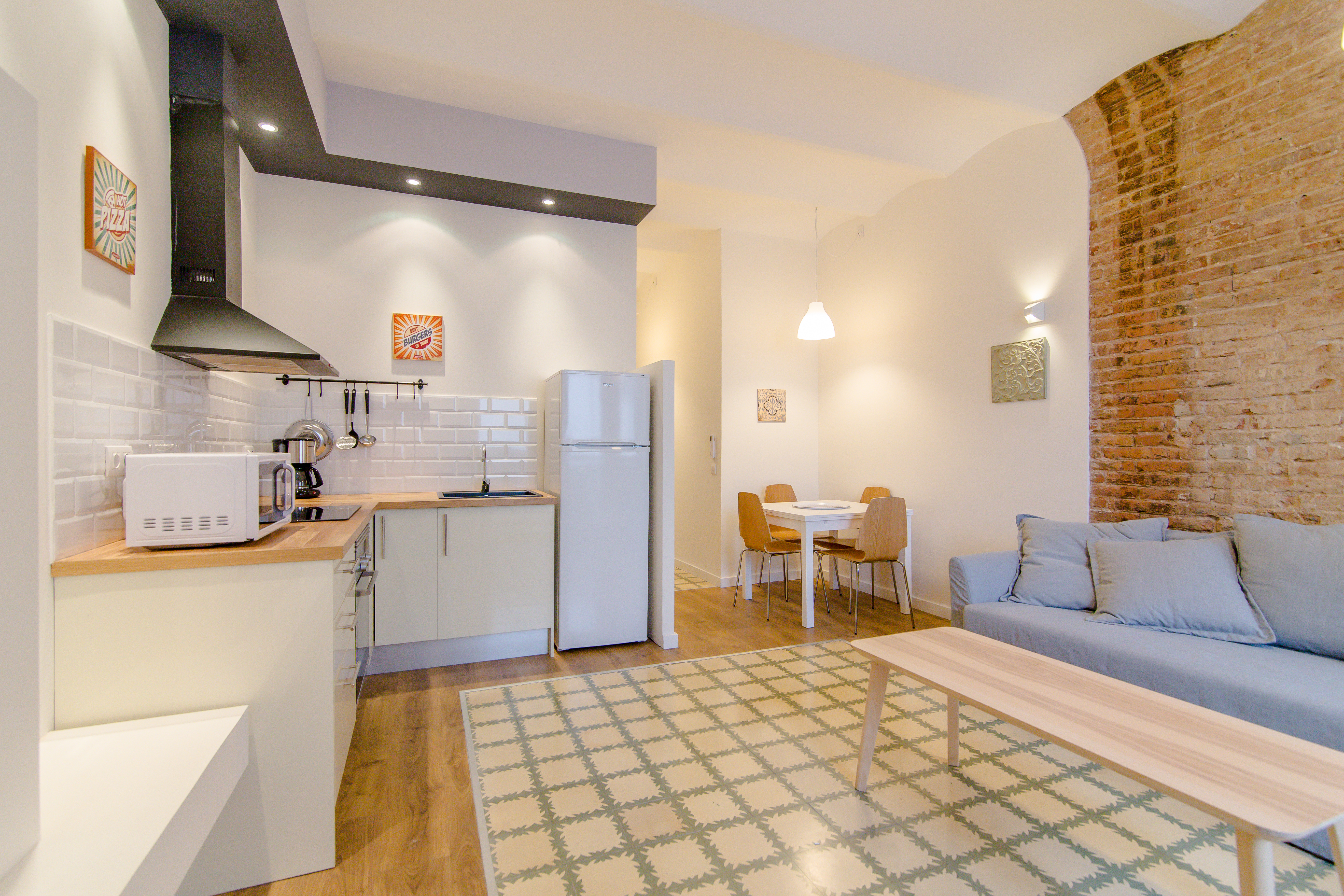 Ad Flat For Rent With 2 Bedrooms In Poble Sec # Muebles Poble Sec