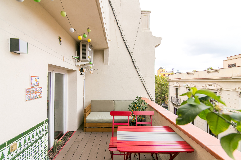 Ad- Nou de la rambla – private terrace