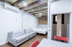 a-loft for rent portal nou, entresol floor (inside) Interior Studio, Carrer Portal Nou, 2 floor (inside) 1 2 1 246x162