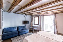 A- Loft for rent, Portal Nou street Entresol Floor (extern) A- Loft for rent, Portal Nou street Entresol Floor (extern) A- Loft for rent, Portal Nou street Entresol Floor (extern) 5 1 244x163