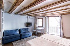 a- loft for rent, portal nou street entresol floor (extern) A- Loft for rent, Portal Nou street Entresol Floor (extern) 5 1 246x162