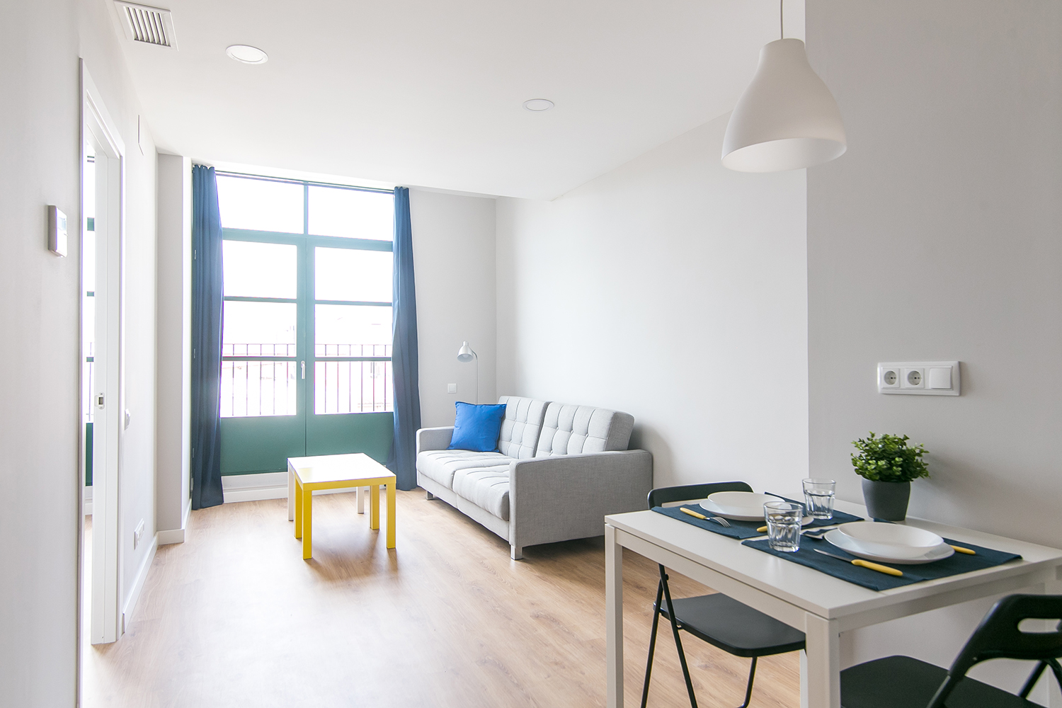 Apartment Fully Renovated Sants 1-1