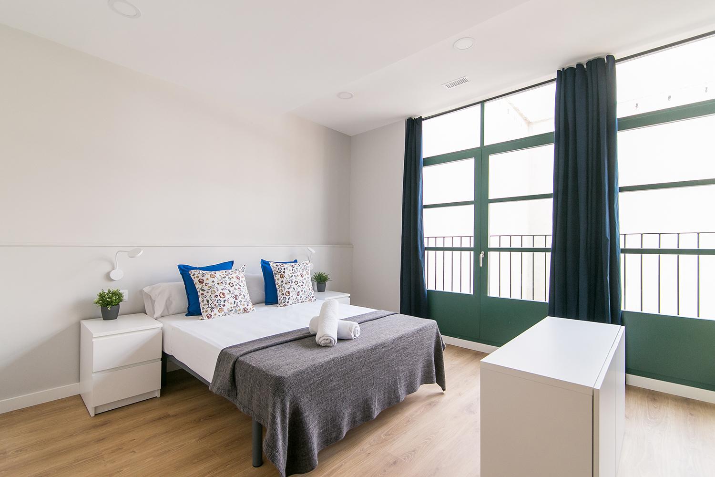 Renovated studio 1 bedroom in Sants 3-2