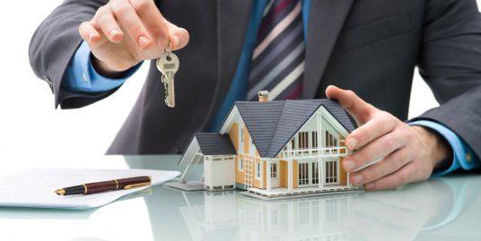 Les avantages de passer par une agence pour un locataire chef dagence immobili  re 536x269