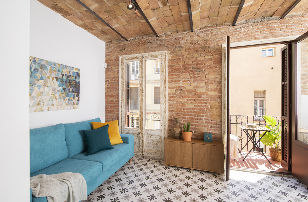 Fully renovated 2 double bedrooms in C/ Magalhaes