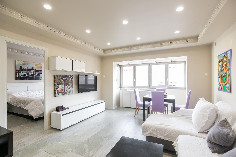 3 double bedroom Metro Maragall