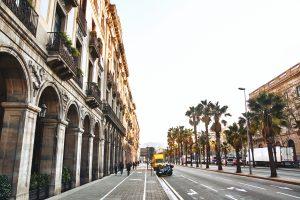 Barrios de Barcelona – Barceloneta dennis van den worm RoM8ocpgBkI unsplash 300x200