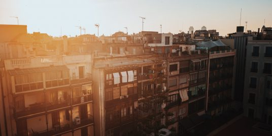 Barrios de Barcelona – Raval george kedenburg iii KO3KbZ0v g4 unsplash 536x269