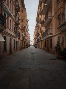 Muses gratis en Barcelona II martin ti JXqGcOp5Y0w unsplash 225x300