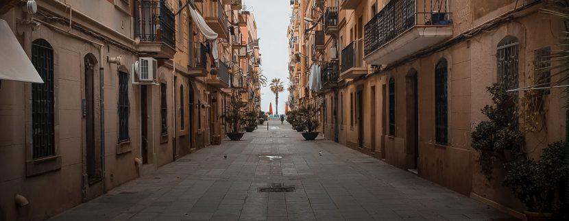 Barrios de Barcelona – Barceloneta martin ti JXqGcOp5Y0w unsplash 830x323