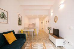 Location appartment marché Hostafrancs AGUILA 27 246x162 Location meublé barcelone Location appartement meublé à Barcelone AGUILA 27 246x162