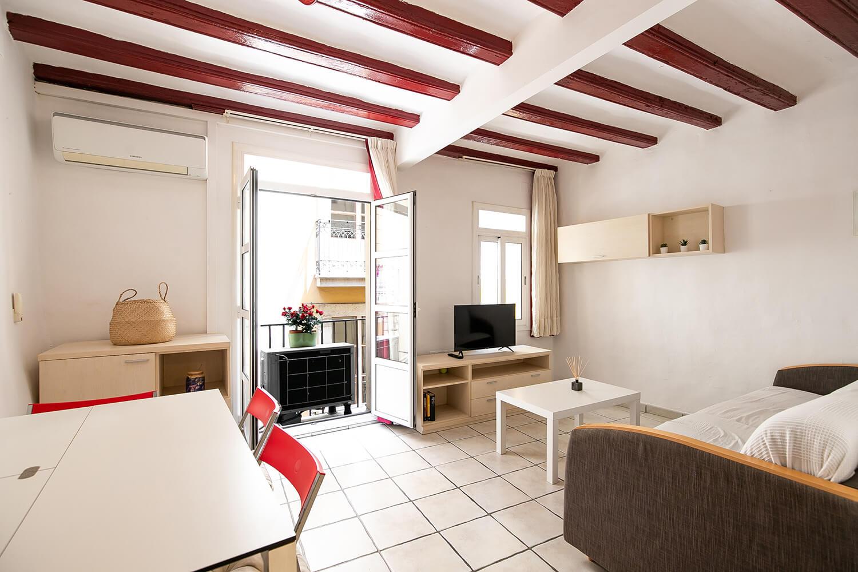 piso con 1 habitacion doble – GOTICO – alquiler de temporada (3-11 meses)